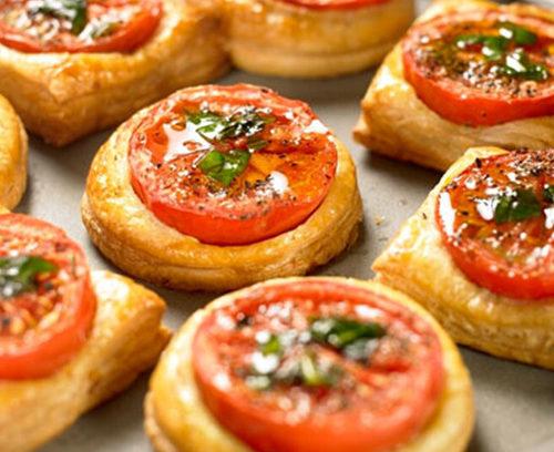 Quick Tomato Puffs